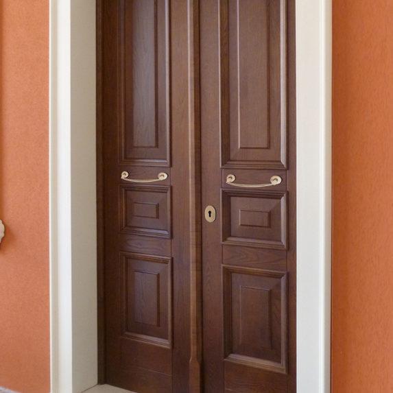 Porte e portoni carpenteria metallica gennaroli spiridione for Arredamento raffinato e mkt
